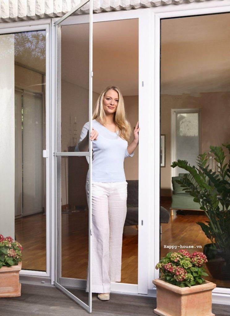 cửa lưới chống muỗi đóng mở inox 304